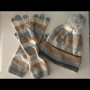 Gloves and beanie set
